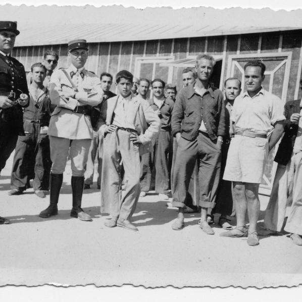 Camp de Bram 14 juillet 1939  Fonds Maria-Amparo Karner 12 DV 1 /7
